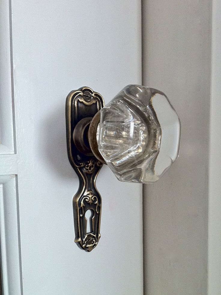 how to install an antique door knob