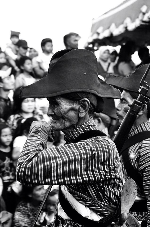 "The Guardian of Keraton Yogyakarta. The people called ""Abdi Dalem"". #People #Culture #Keraton #Yogyakarta #StreetPhotography #BlackAndWhite"