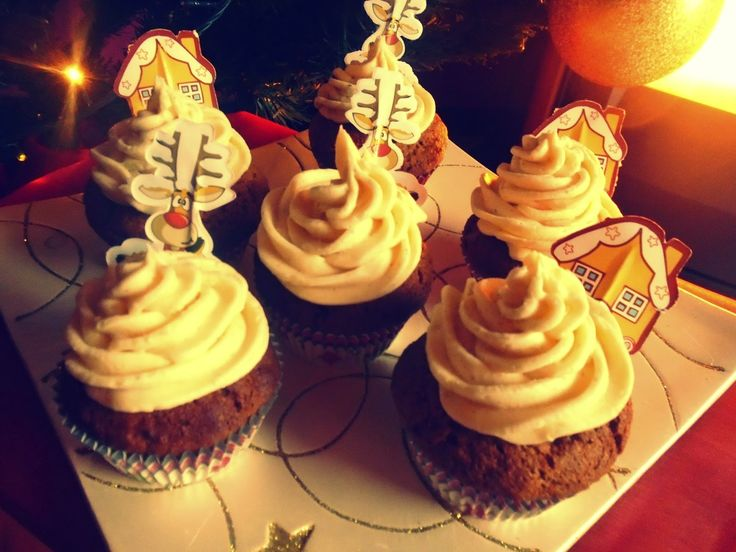 Poly's kitchen: Gingerbread cupcakes-Χριστουγεννιάτικα cupcakes με...