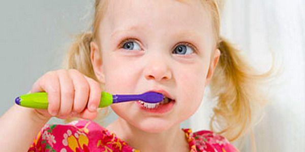 3 Yaşında Önce Diş Macunu Kullanmak