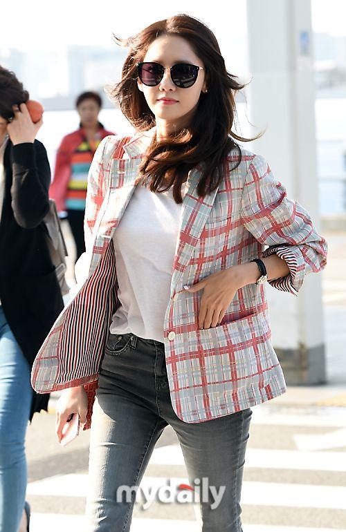 SNSD's pretty YoonA goes to China! ~ Wonderful Generation