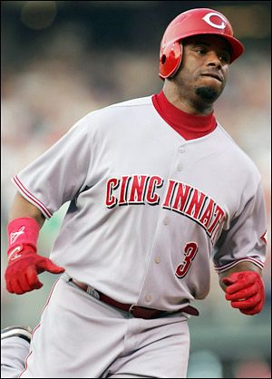 Ken Griffey Jr. Played for the Cincinnati Reds, Seattle Mariners & Chicago White Sox. He hit his 600th career home run while playing for the Reds.  (Career: 630 HR's, the 6th best record in MLB history.) He has won 10 Gold Glove awards & grew up in Cincinnati watching his dad, Ken Griffey Sr. play for the Cincinnati Reds.