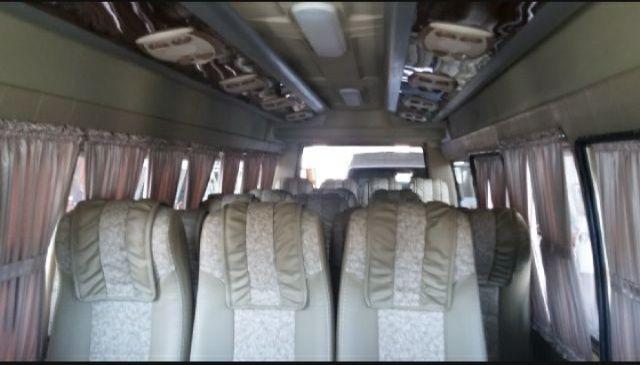 Interior Elf Pariwisata Seat 19