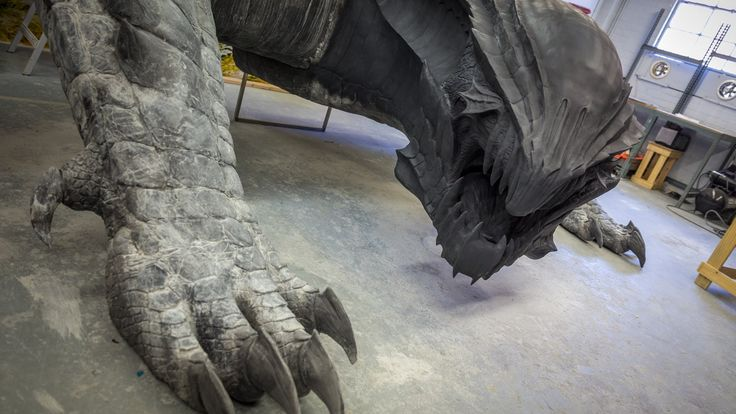 How do you sculpt a realistic dragon, let alone one that has to be life size? That's what effects artist Frank Ippolito did for Capcom's booth at this year's...