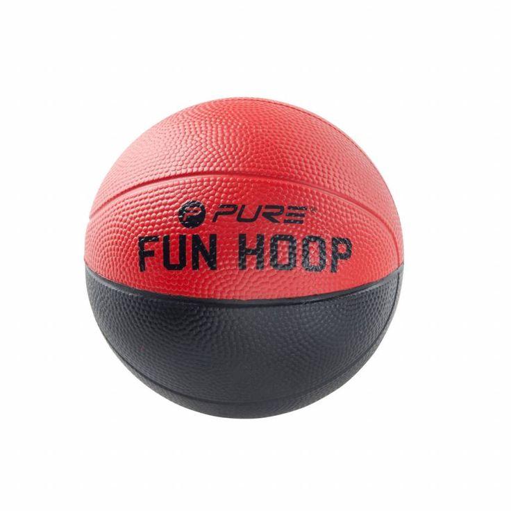 """Perfect voor jonge kinderen. Ontworpen voor gebruik met een van de Pure2Improve Fun Hoops. 4"""" of 5"""" mini foam basketbal. Online kopen bij Disporta."""