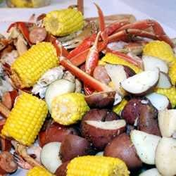 FAMOUS IN THE LOW COUNTRY OF GEORGIA AND SOUTH CAROLINA. THIS BOIL IS DONE BEST ON AN OUTDOOR COOKER. IT HAS SAUSAGE, SHRIMP, CRAB, POTATOES AND CORN FOR AN ALL-IN-ONE POT ALL-YOU-CAN-EAT BUFFET!Pots All You Cans Eating, Pots Allyoucaneat, Allyoucaneat Buffets, All You Cans Eating Buffets, All In On Pots, Outdoor Cooker, Allinon Pots, South Carolina, Low Country