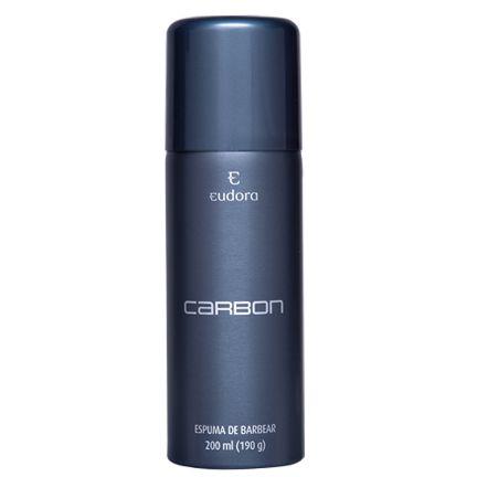 A Espuma de Barbear Carbon tem textura cremosa com propriedades calmantes e suavizantes que proporcionam um barbear rente e confortável . Sua pele suavemente perfumada com a fragrância de Carbon.