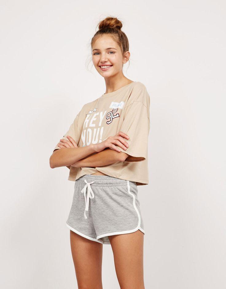 Bershka España - Shorts felpa BSK detalles a contraste