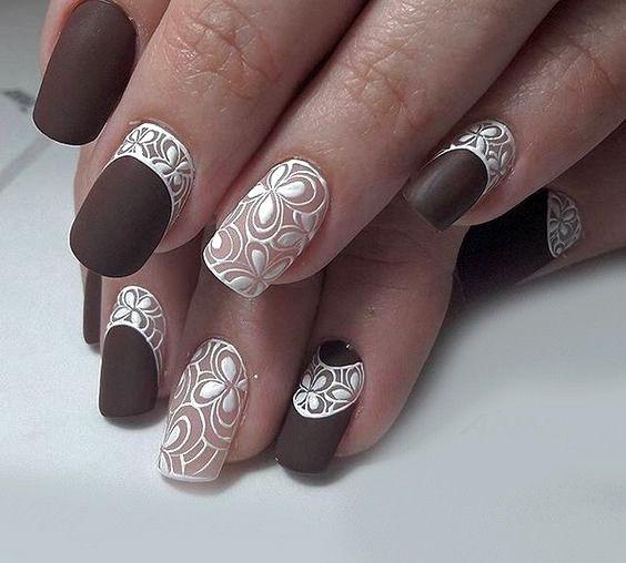 Ногти коричневые матовые фото