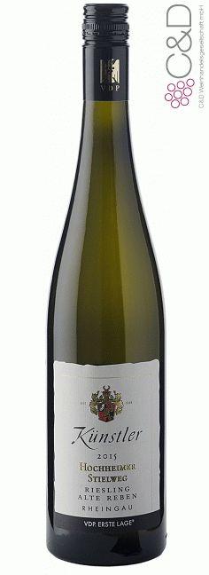 Folgen Sie diesem Link für mehr Details über den Wein: http://www.c-und-d.de/Rheingau/Riesling-Stielweg-trocken-Alte-Reben-2015-Weingut-Kuenstler_64894.html?utm_source=64894&utm_medium=Link&utm_campaign=Pinterest&actid=453&refid=43 | #wine #whitewine #wein #weisswein #rheingau #deutschland #64894