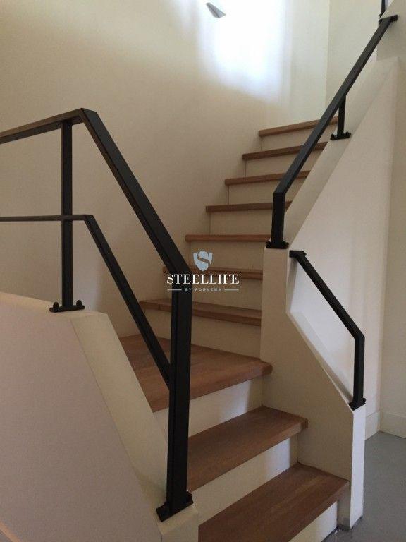 25 beste idee n over trapleuningen op pinterest leuning verbouwen trappen en trap verbouwen - Railing trap ontwerp ...