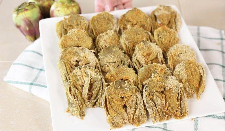 I carciofi panati al forno sono un contorno croccante e molto semplice da preparare. Un'alternativa golosa ai classici carciofi fritti. È una ricetta molto veloce