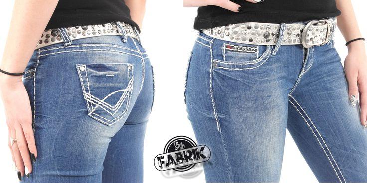 Jetzt zum Angebotspreis!  http://www.amazon.de/gp/product/B00T4HN4T4/ref=as_li_tl?ie=UTF8&camp=1638&creative=19454&creativeASIN=B00T4HN4T4&linkCode=as2&tag=kbco05-21&linkId=4LKVWQBT3E24ZRGE  Oder bei uns im Webshop: www.stylefabrik-fashion.de/Cipo-Baxx-Jeans-CBW-657-Slim-Fit-Used-Look-mit-Stretch-und-weissen-Naehten-blau-CBW-0657?fb=1  Damenjeans von Cipo & Baxx mit toller Waschung.