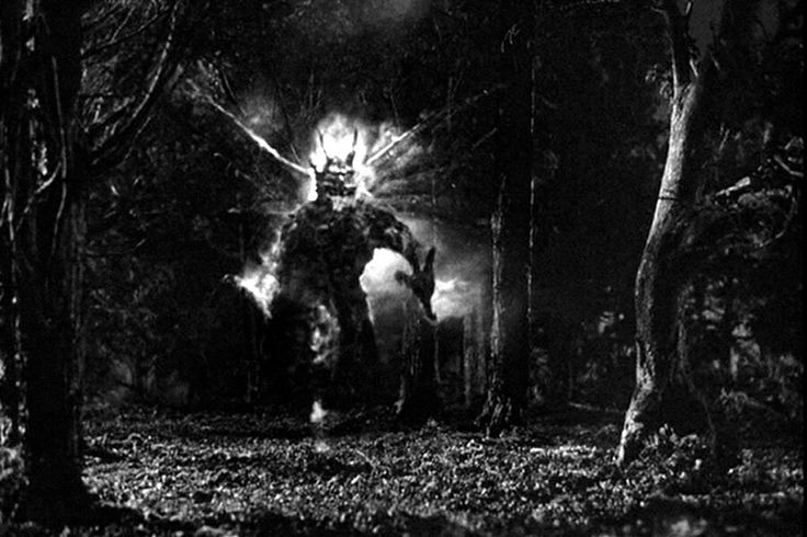 First appearance of the fire demon - Night of the Demon