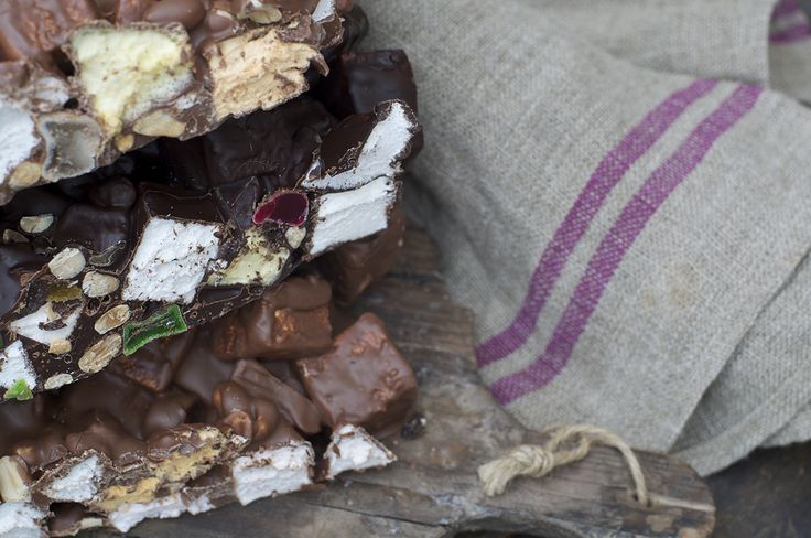 Our famous and incredibly popular rocky road. Made from the finest Belgium dark chocolate, locally grown nuts and our own handmade marshmallow. Chunky, crunchy, fluffy... everything you could want from this luxurious version of the Kiwi classic.
