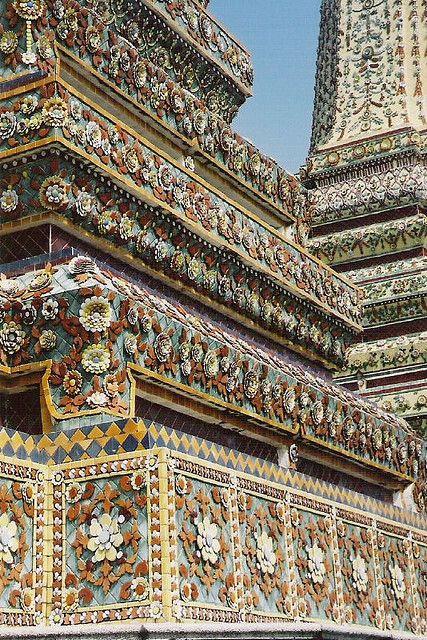Wat Pho | Bangkok, Thailand  #buddhisttemple √