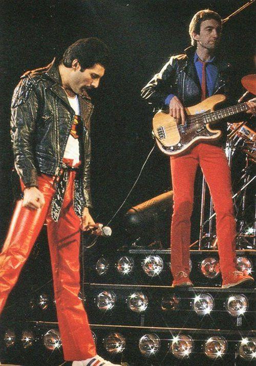 Freddie Mercury. Queen 1980s. Music wallpapers at www.freecomputerdesktopwallpaper.com/wmusictwelve.shtml Thank you for viewing!