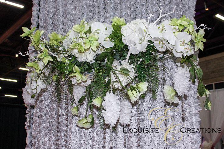 Hanging flower arrangement or centerpiece
