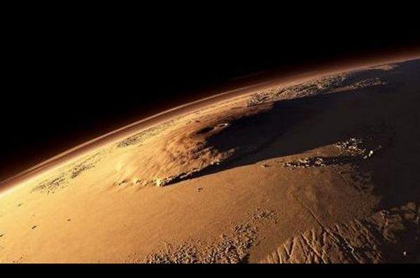 Olympus Mons - Mars. Güneş sistemindeki en yüksek dağ. (Highest mountain in the Solar System)