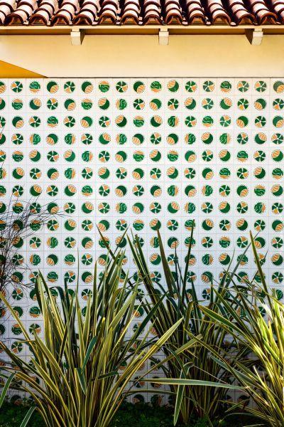 Athos Bulcão - Painel azulejos, Residência Ivani Ribeiro, 1972