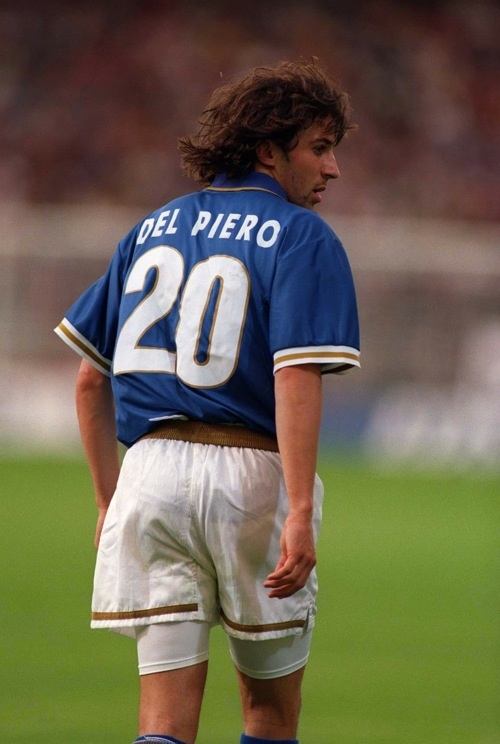 Alessandro Del Piero from Juventus on Italian National team early on in his career