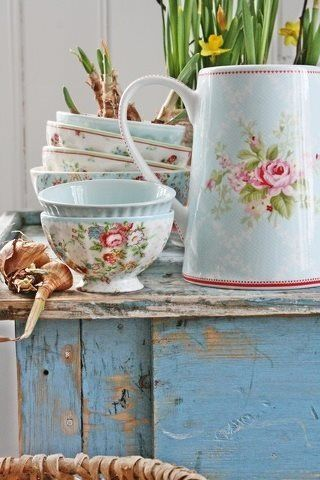 GreenGate- if only greengate were sold in the USA.  I love every pattern!