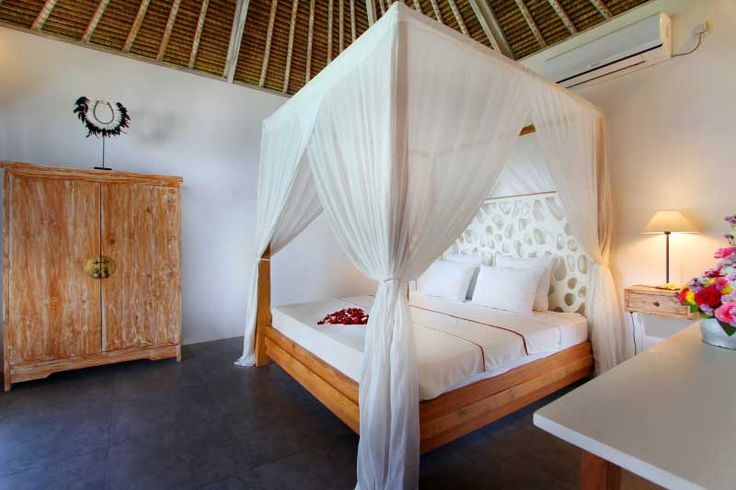 #Romantic bedroom with #canopybed in the nice #bungalow of the #villa.