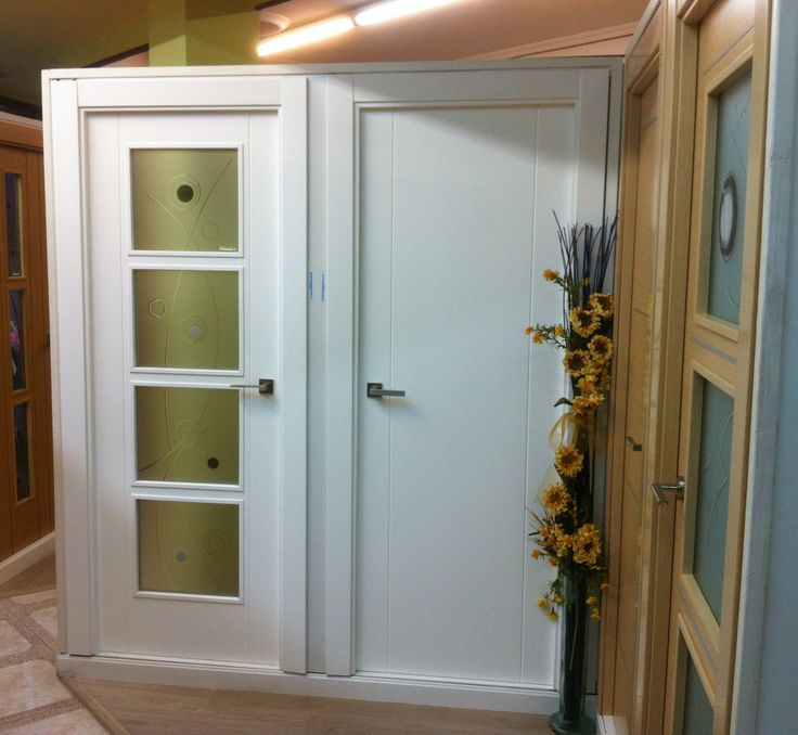 Puertas de interior lacadas en blanco mod 1002 y puerta - Puertas con cristales de colores ...