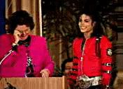 michael jackson gardner street elementary school photos gifs | Yuo Tube: Michael en la escuela St. Gardner. Video más largo.
