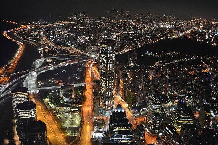 Maravillosa foto de Santiago, de Pam Valdivia Hernández, tomada desde el edificio Costanera Center