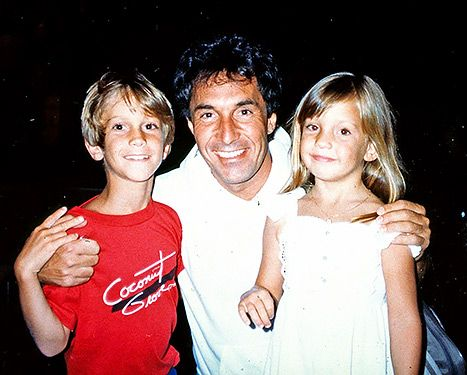 Bill Hudson Disowns Children Oliver, Kate Hudson, Slams Goldie Hawn - Us Weekly -Grow up Bill Hudson, this proves you are a jerk.
