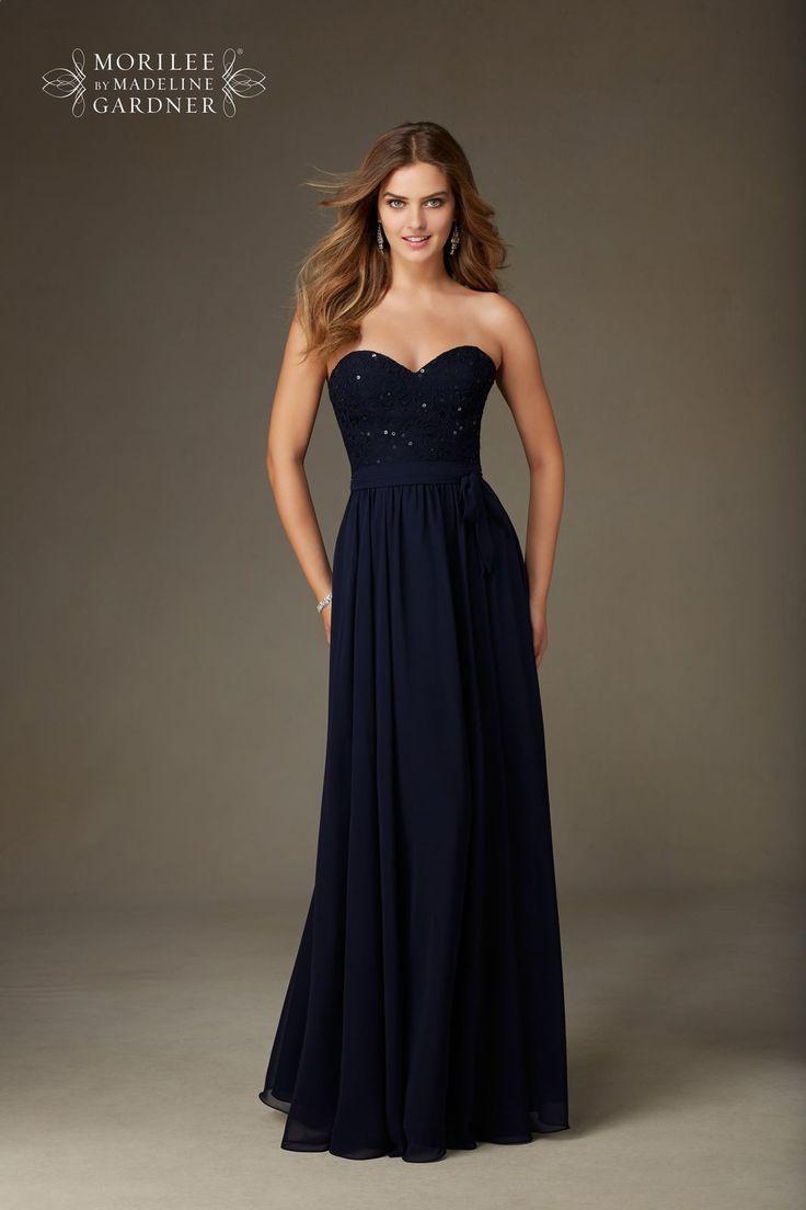 Szykowna, długa suknia wieczorowa Mori Lee z dekoltem serce. Piękna, długa lejąca spódnica z szyfonu i koronkowy gorset z cekinami, …