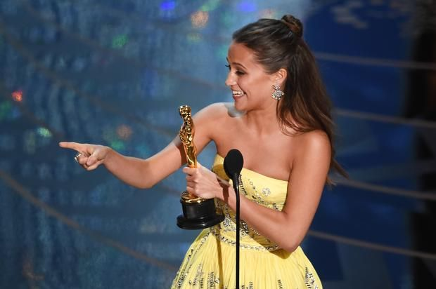 "Alicia Vikander Stars As Lara Croft In Action-Packed New ""Tomb Raider"" Trailer"