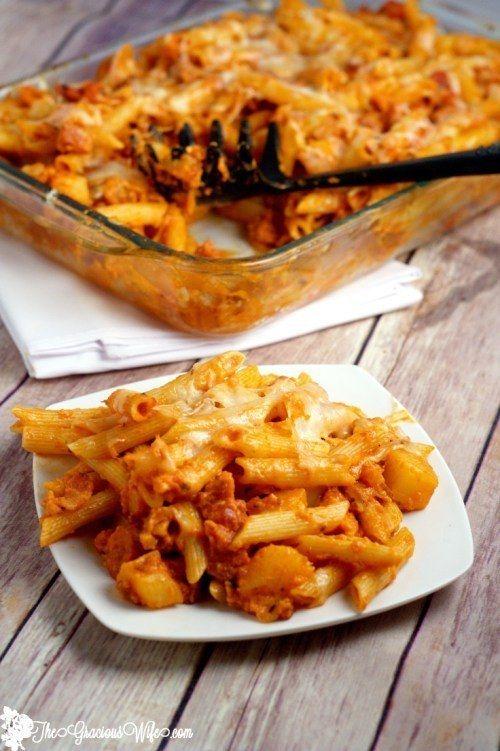 Nudelauflauf à la Pizza Hawaii | 26 unfassbar gute Nudelgerichte aus dem Ofen, die Dich wärmen werden