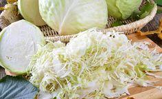 Lebendige Nahrung für einen gesunden Darm  Rohes fermentiertes Gemüse ist lebendige Nahrung, die natürliche Enzyme und aktive Milchsäurebakt...