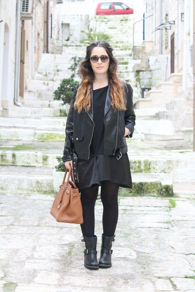 Vestito nero giacca beige 2 mary
