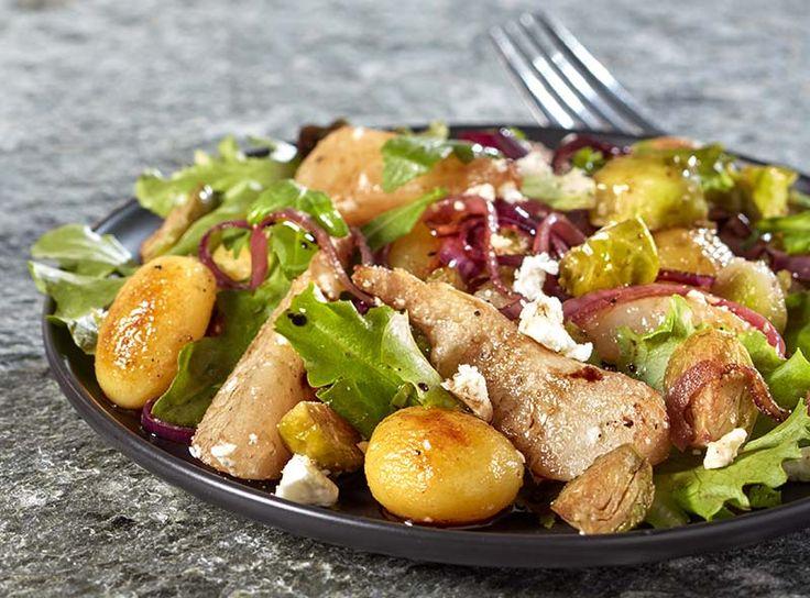 Krieltjessalade met feta, gebakken spruiten en peer