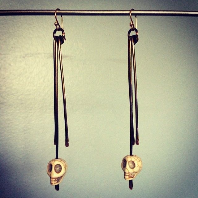 Simple skull earrings with hammered copper dangles.   Flickr - Photo Sharing!