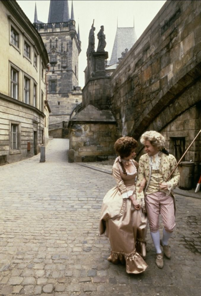 Amadeus - Elizabeth Berridge - Tom Hulce (shot in Prague)