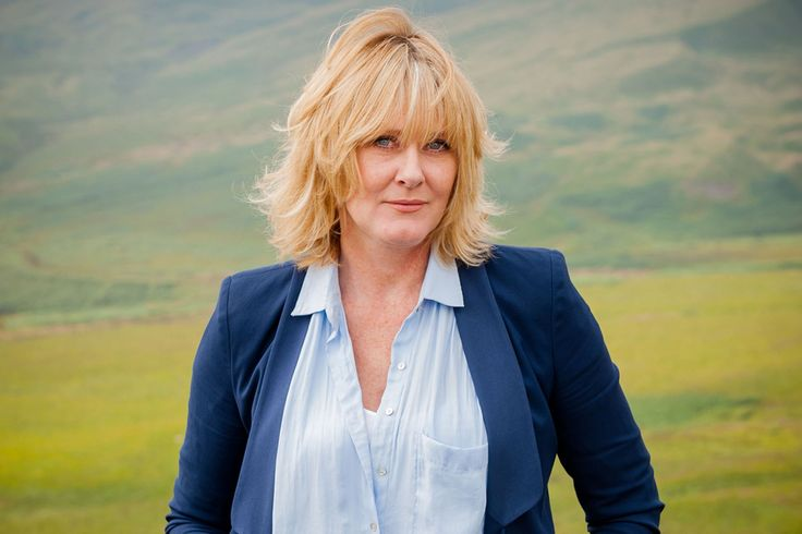 Sarah Lancashire from Last Tango in Halifax - love her hair