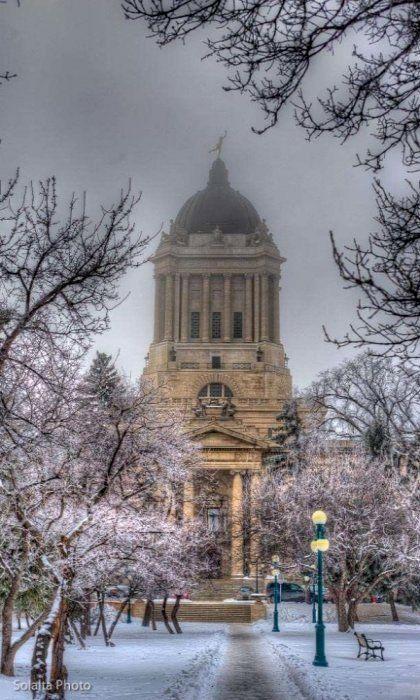 Winnipeg Legislative Building, Manitoba, Canada (by solalta on Flickr)