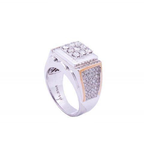 cincin berlian tak hanya identik untuk wanita. pria juga memiliki ketertarikan padanya, berikut ini beberapa alasan mereka memilih cincin berlian pria