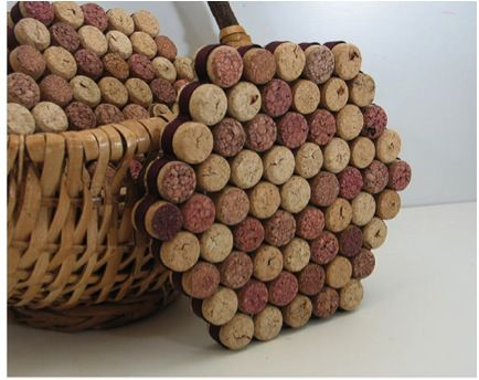 Upcycled Wine Cork DIY Projects (wine cork love heart, cork wreath, wine cork picture frame, coasters, cork boats, bathmat, planter labels, memo board)