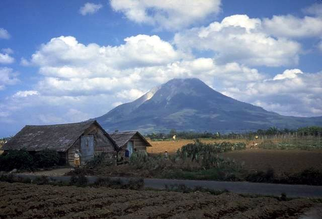 3 Tote bei Vulkanausbruch des Sinabung