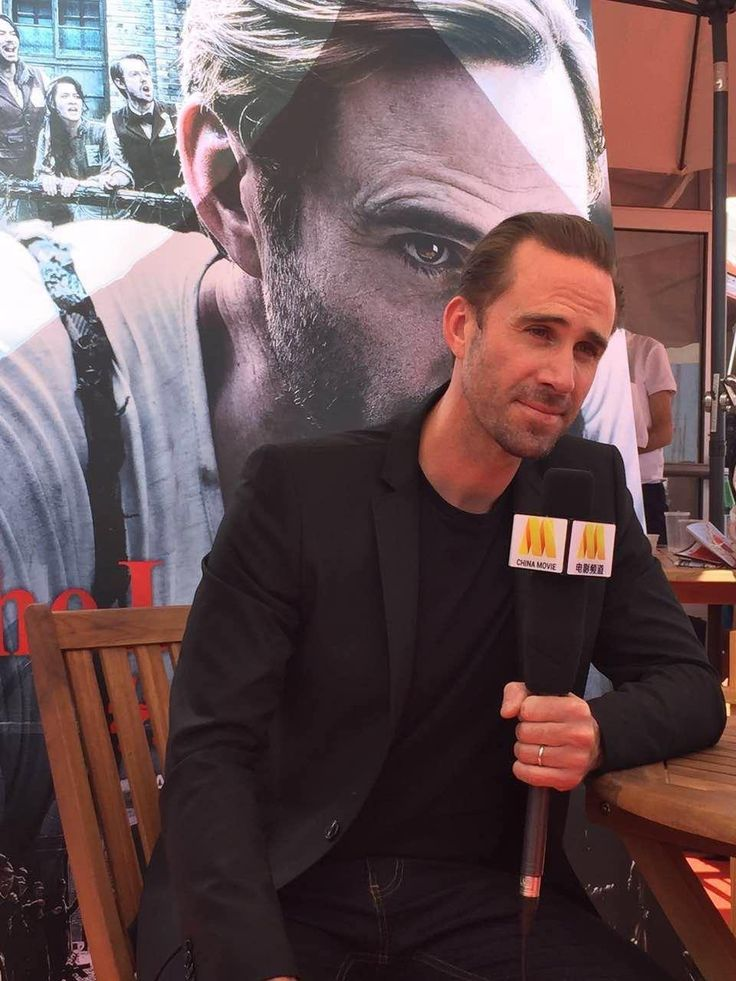 Joseph Fiennes at an event for On Wings of Eagles (2016) http://www.movpins.com/dHQ0NzE0ODk2/the-last-race-(2016)/still-4143648768