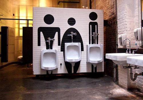 banheiro irreverente