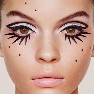 1. Maquillage halloween facile 2019 n°1 : Regard de biche stylisé