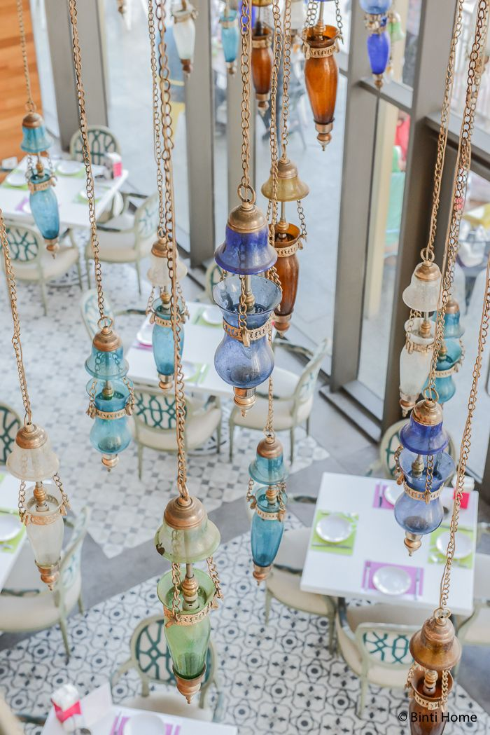 Modern Arabic ambiance at Lebanese bistro Tamara in Cairo | Binti Home blog : Interieurinspiratie, woonideeën en stylingtips