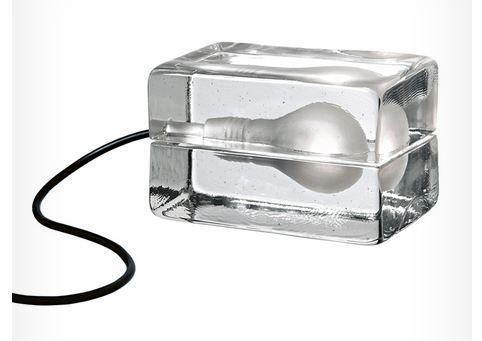 Blokk Lampe Svart ledning fra Royaldesign. Om denne nettbutikken: http://nettbutikknytt.no/royaldesign/