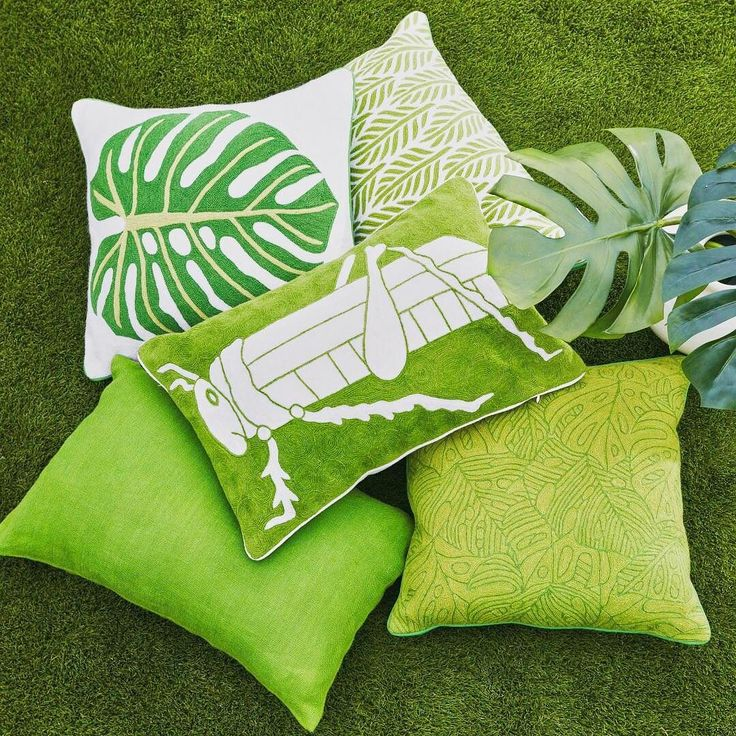 Can't get over these Tropical Collection Pillows. 😍 The precious handmade grasshopper pillow comes straight from the drawing room of Lisa Newsom, founder of Veranda magazine, and we LOVE it. #gogreen #wisteriastyle